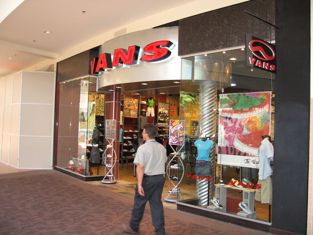 vans boutique in mall of asia